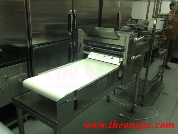 Lắp đặt bếp inox công nghiệp cho nhà hàng